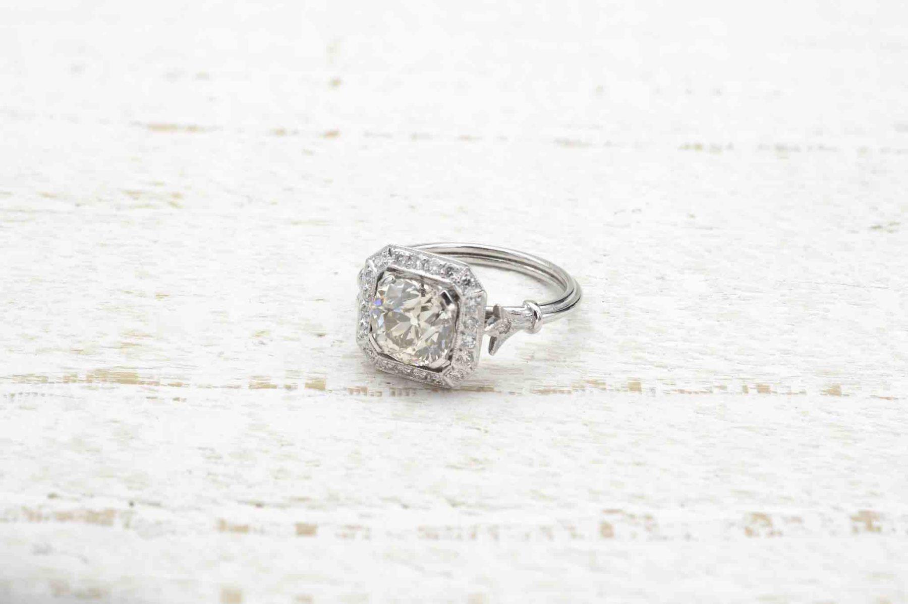 Bague de fiançailles diamant en platine
