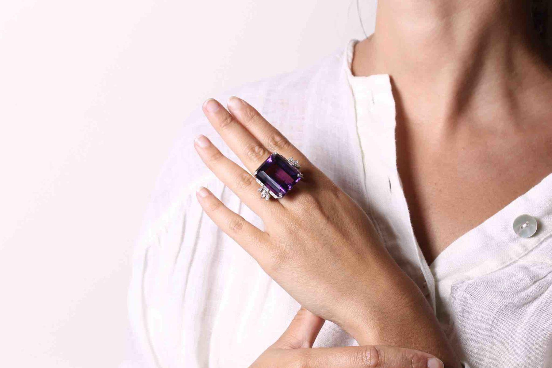 Bague 1940 améthyste diamants en platine