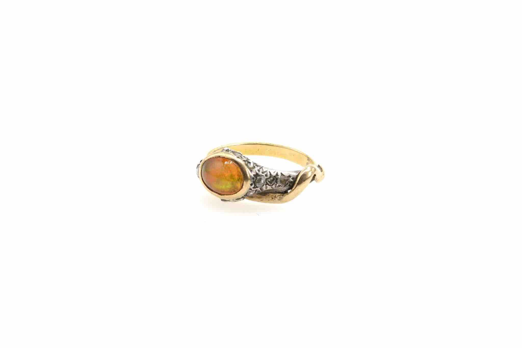 bague serpent 19e opale et roses en or jaune 18k