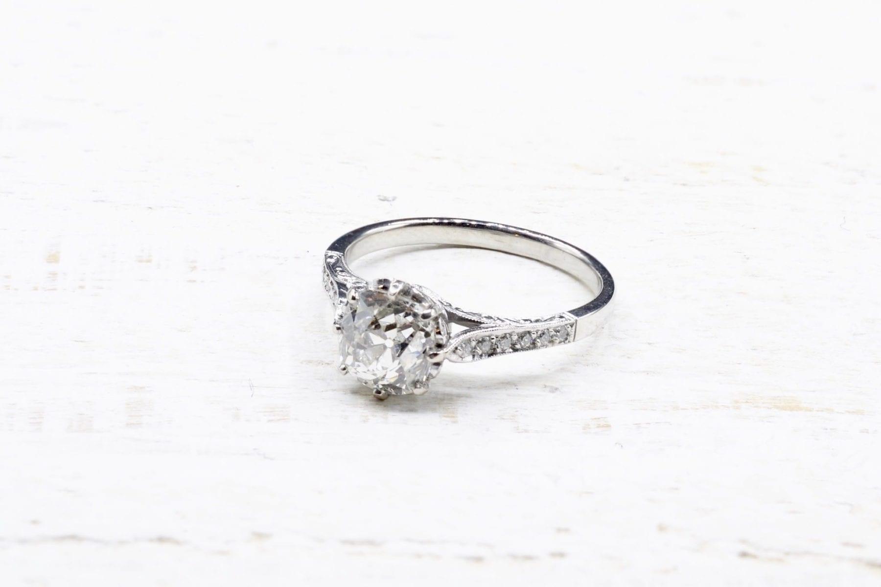 bague solitaire diamant en platine