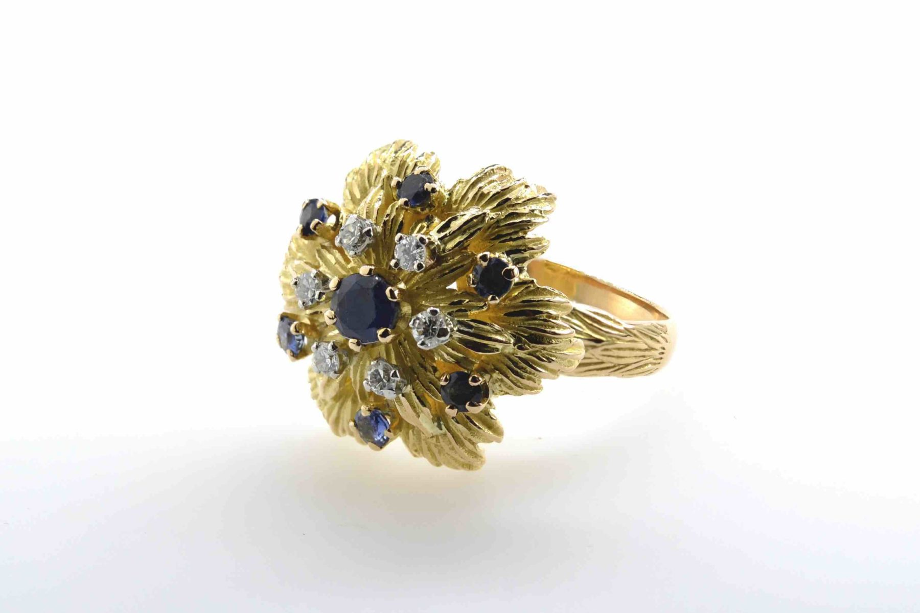 Bague 1960 saphirs et diamants en or jaune 18k