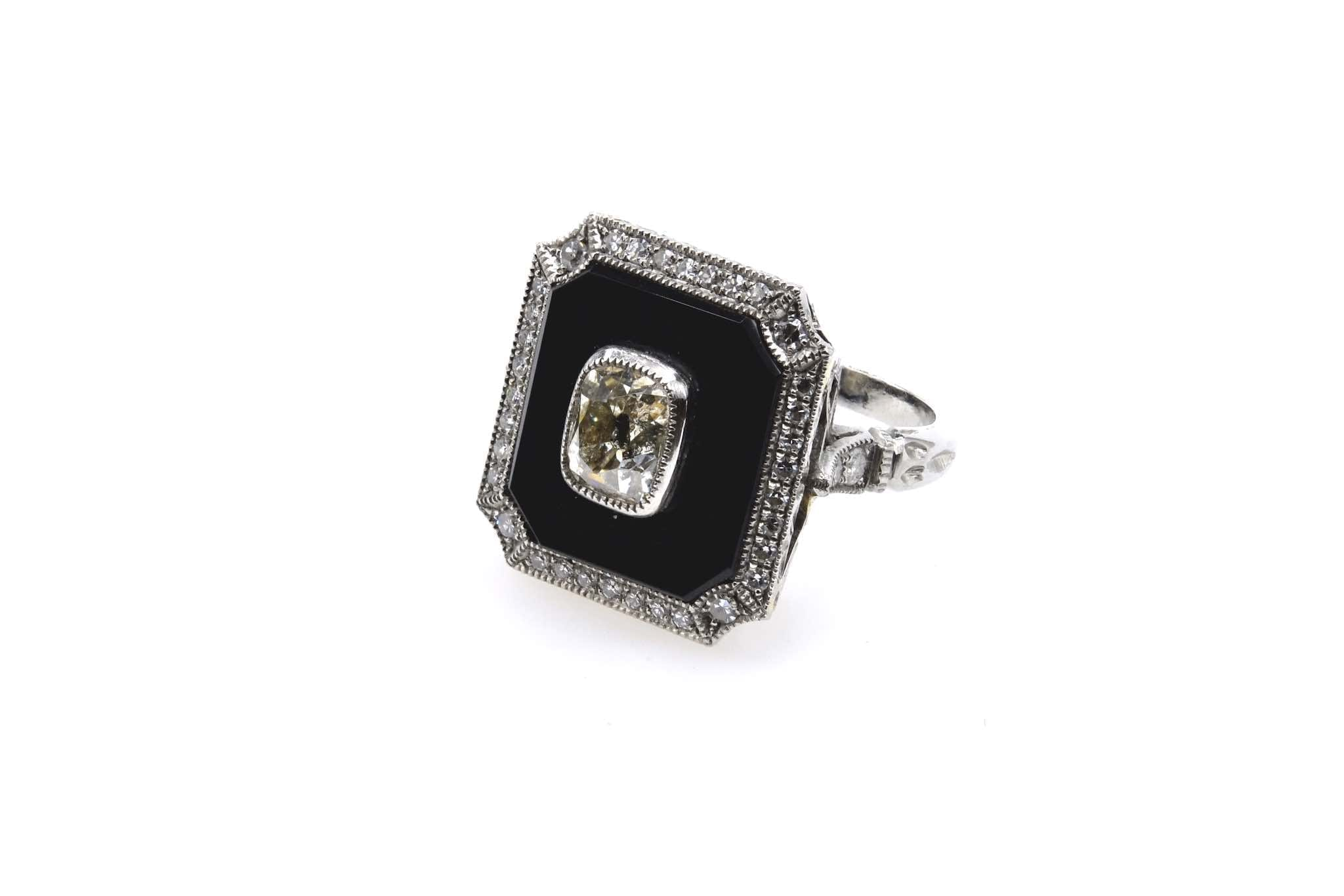 bague Art Déco onyx et diamant en platine