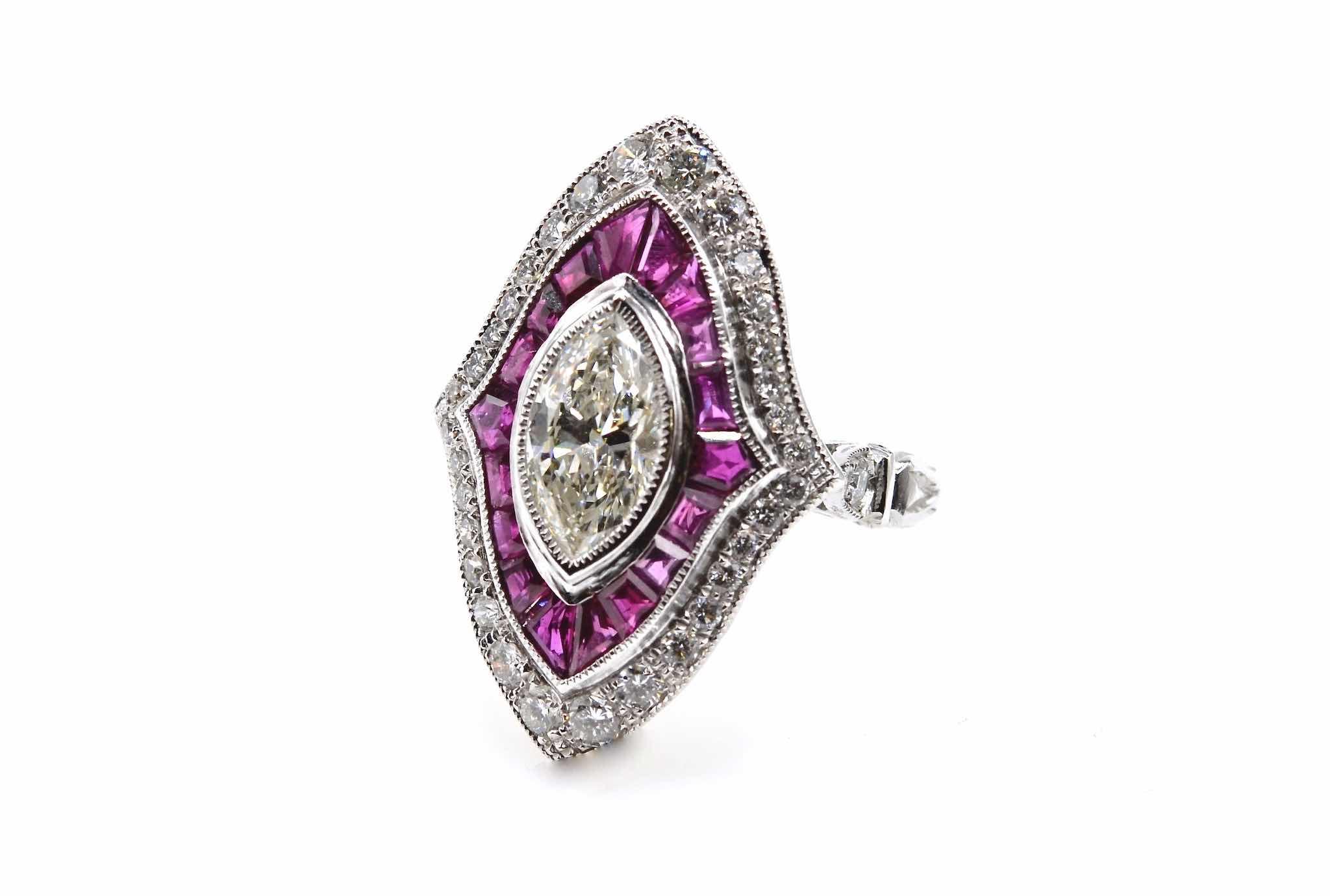 bague marquise rubis calibrés et diamants