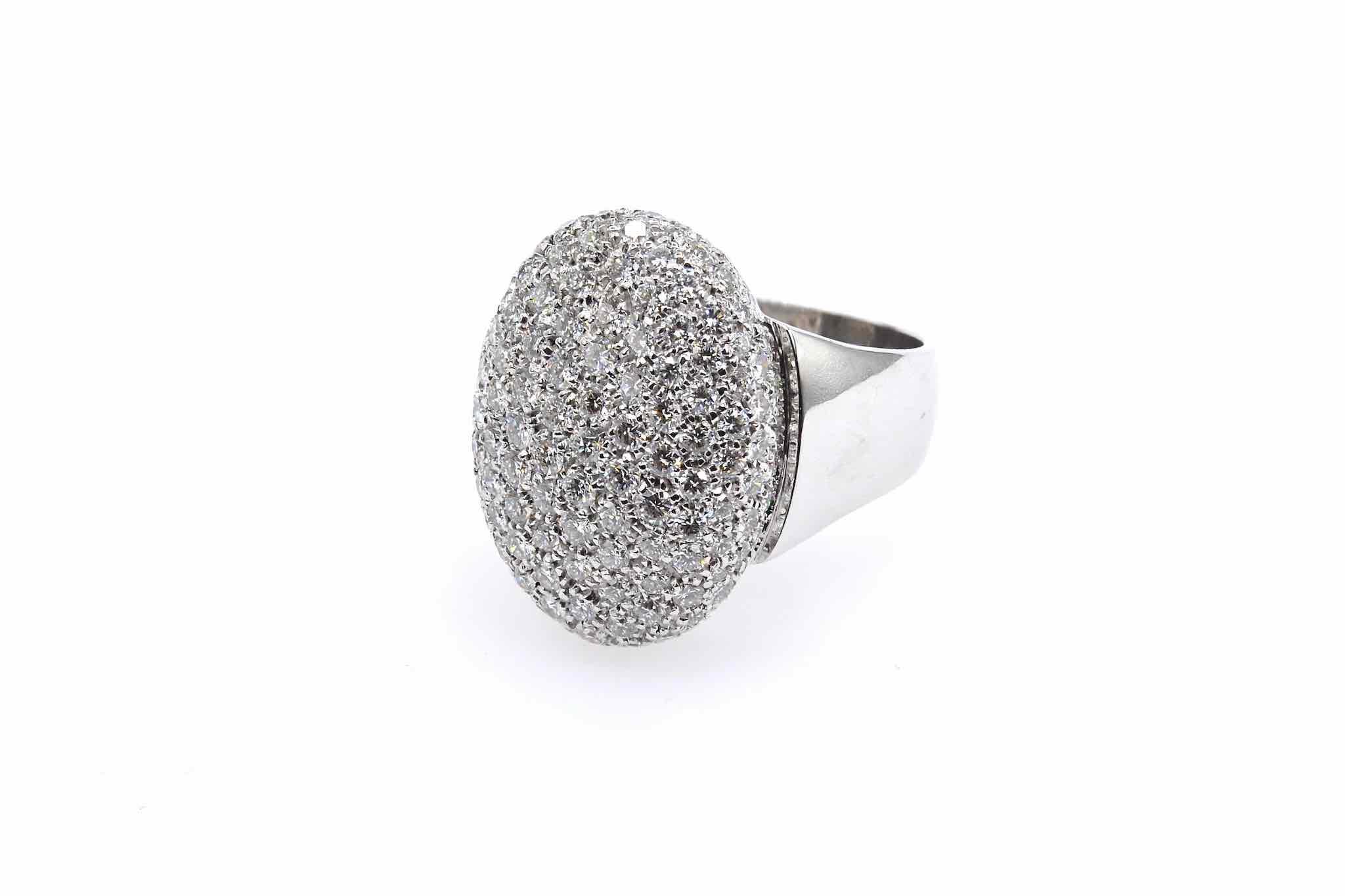 Bague dôme pavée de diamants