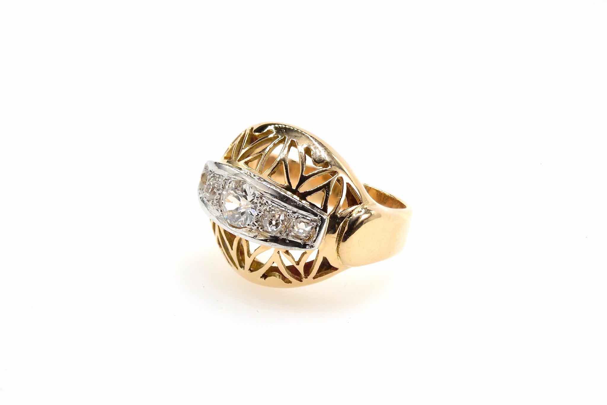 Bague dôme 1950 diamants en or jaune 18k