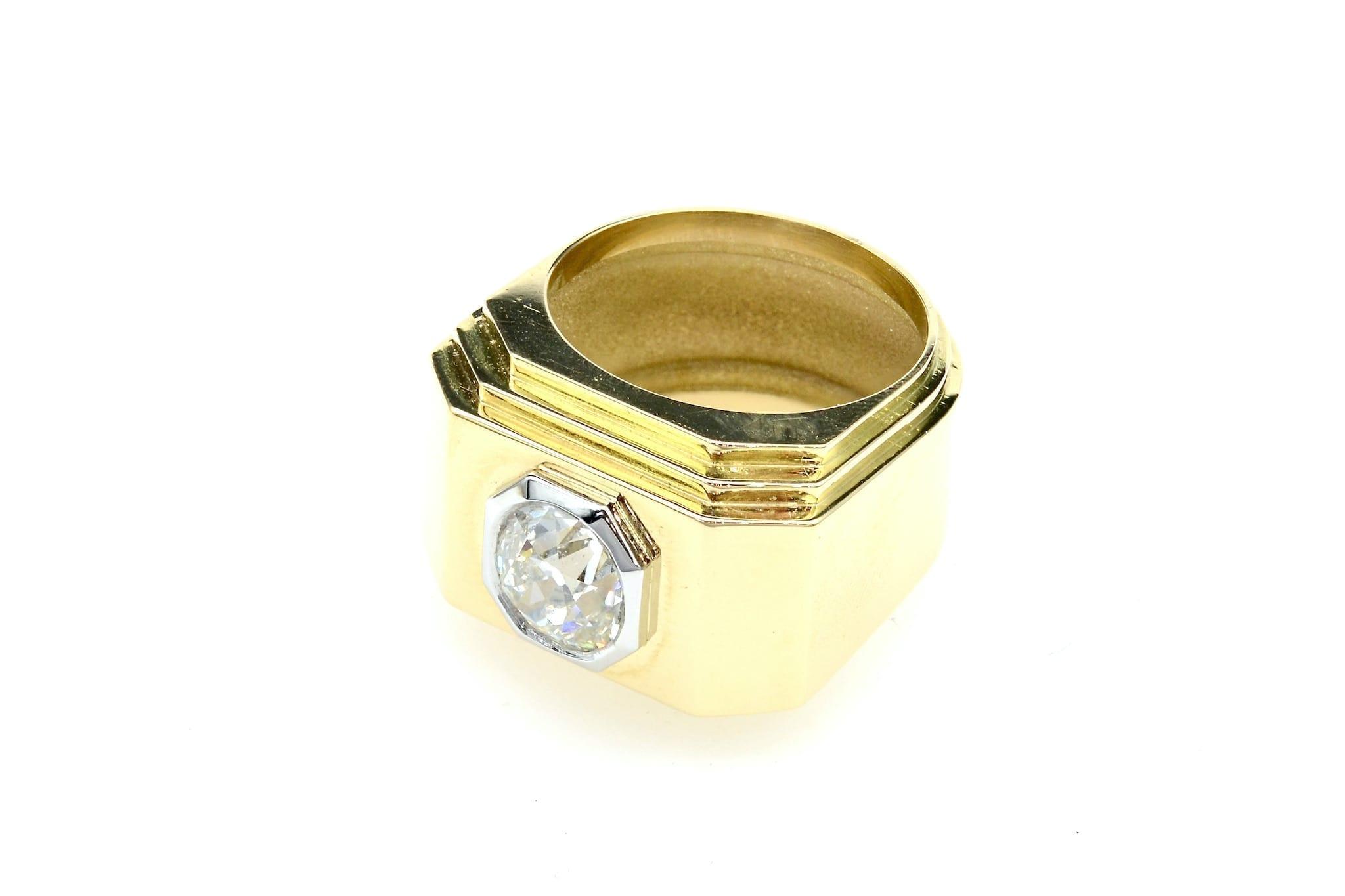 Bague chevalière Art Déco diamant coussin