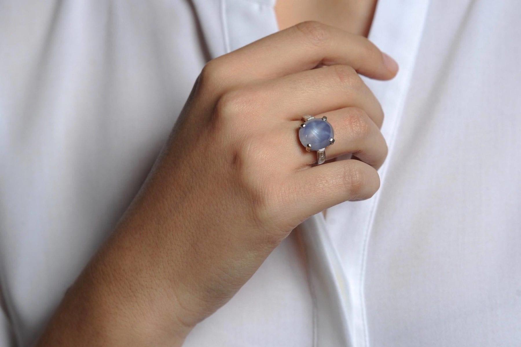 Bague saphir étoilé et diamants baguette