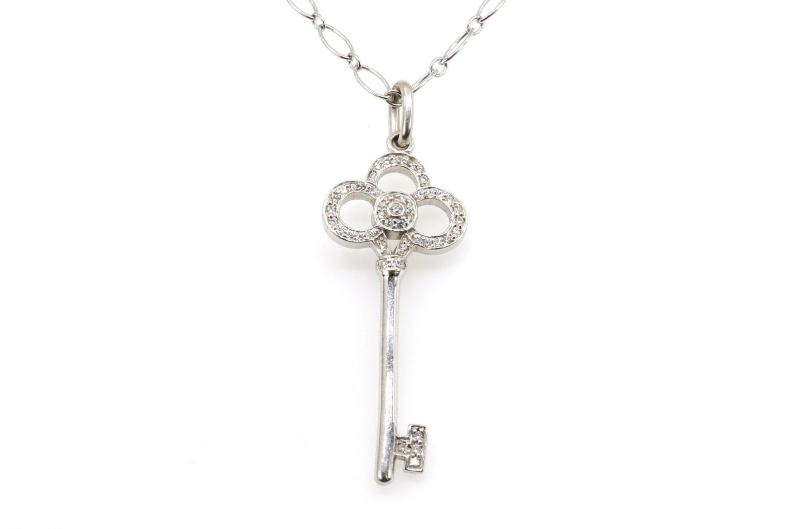 collier pendentif clé signé Tiffany and Co