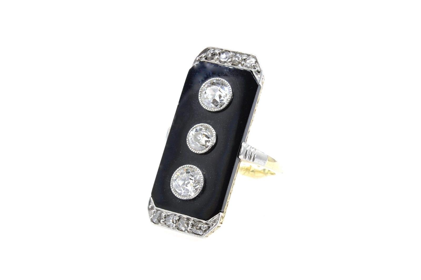 bague onyx trois diamants