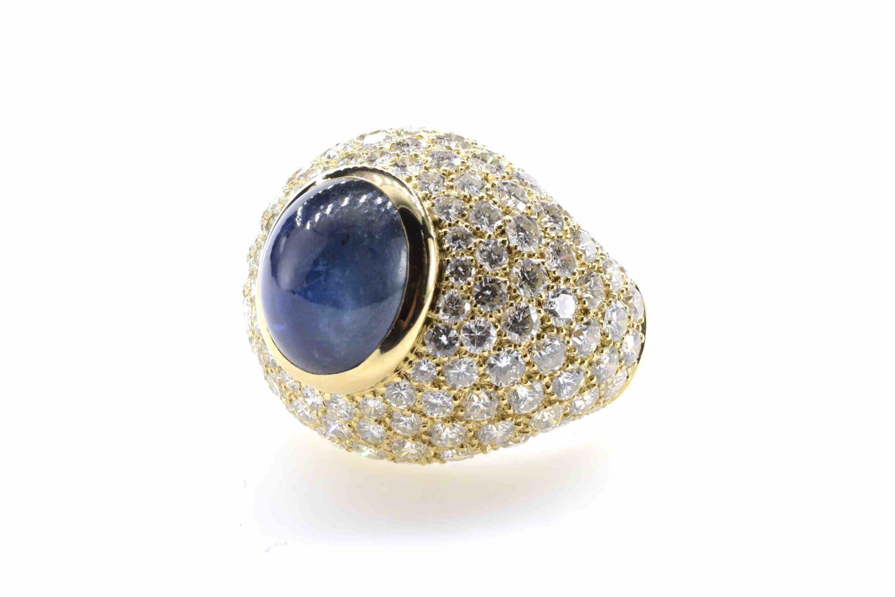 bague dôme saphir et diamants en or jaune 18k