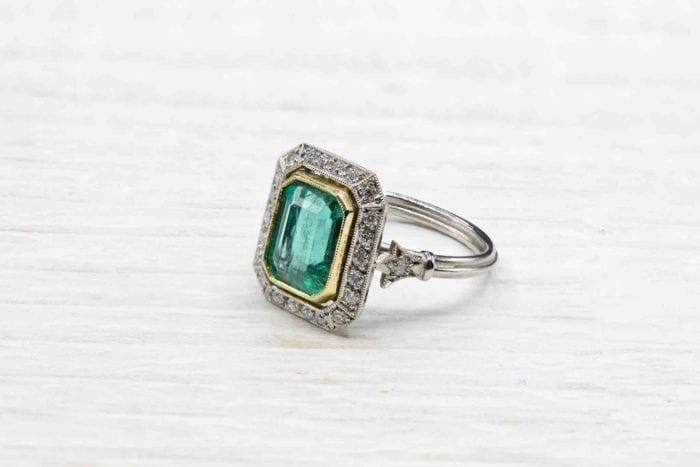 Bague émeraude et diamants vintage en platine
