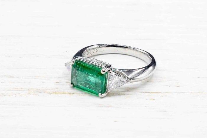 Bague émeraude diamants en platine