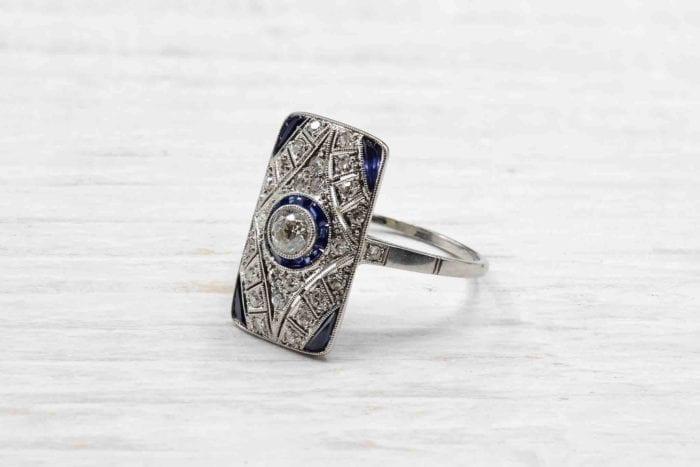 Bague Art Déco diamants et saphirs en platine