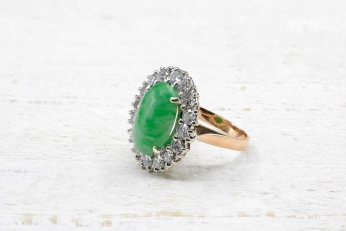 Bague pompadour jade et diamants en or jaune 18k