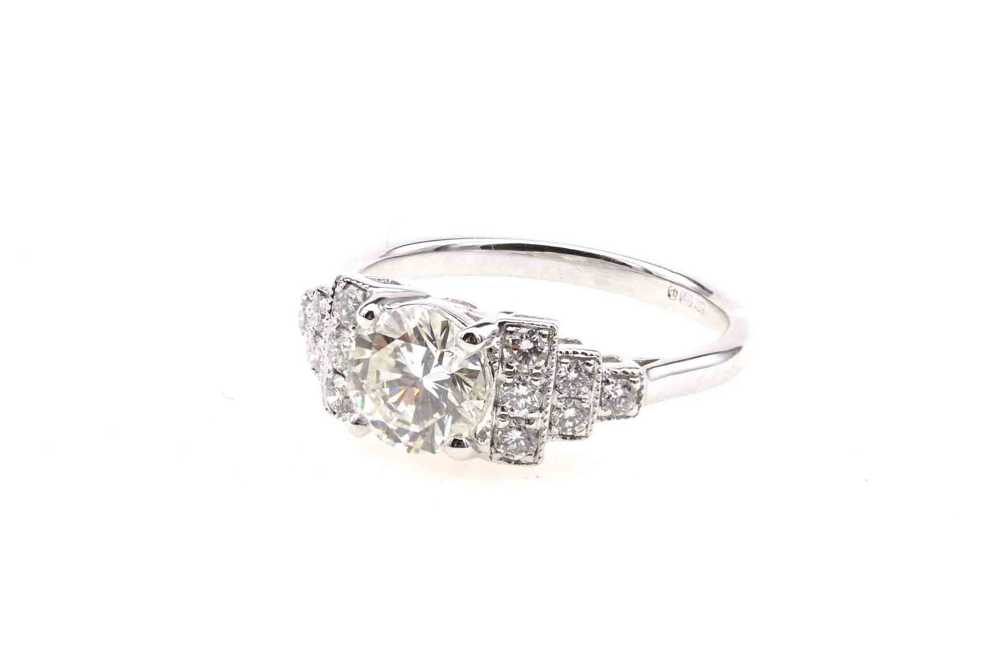 Bague de style Art Deco diamants