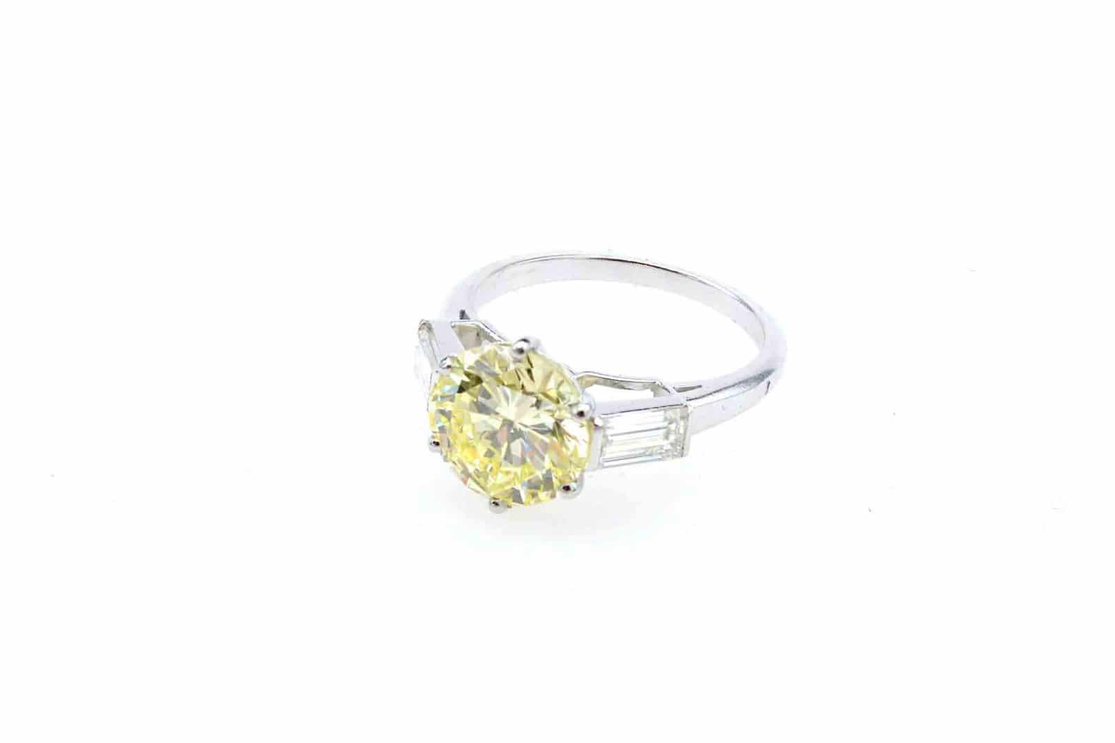 Bague diamant jaune solitaire