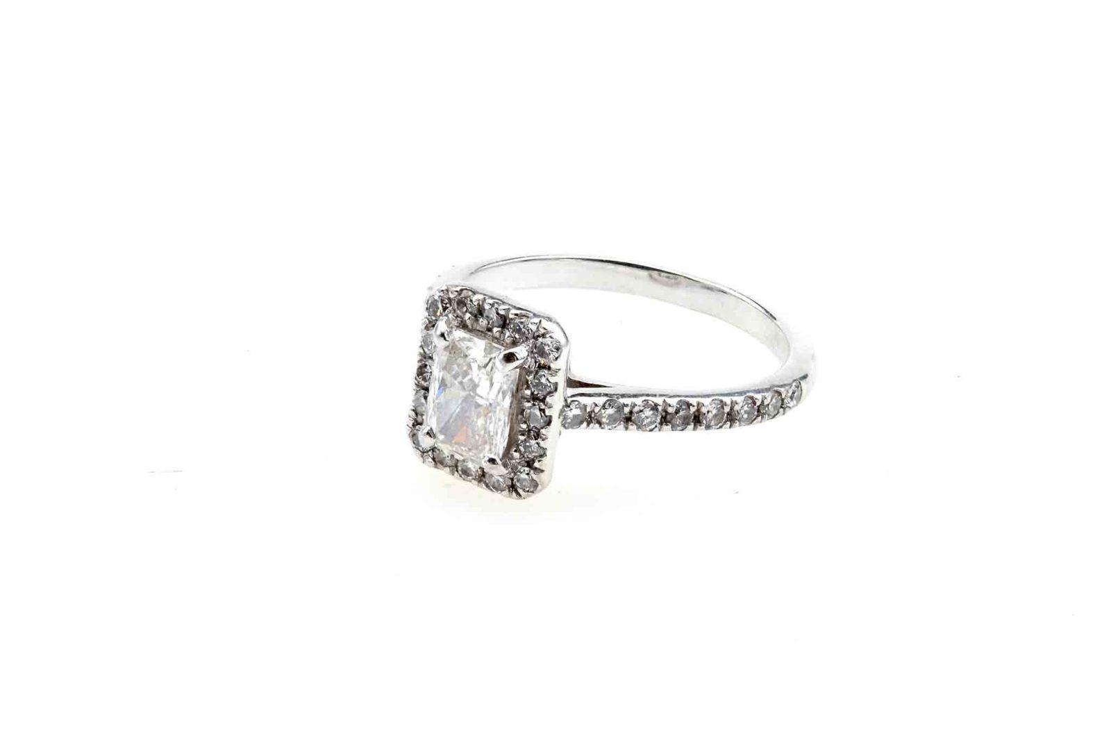 Bague diamant radiant