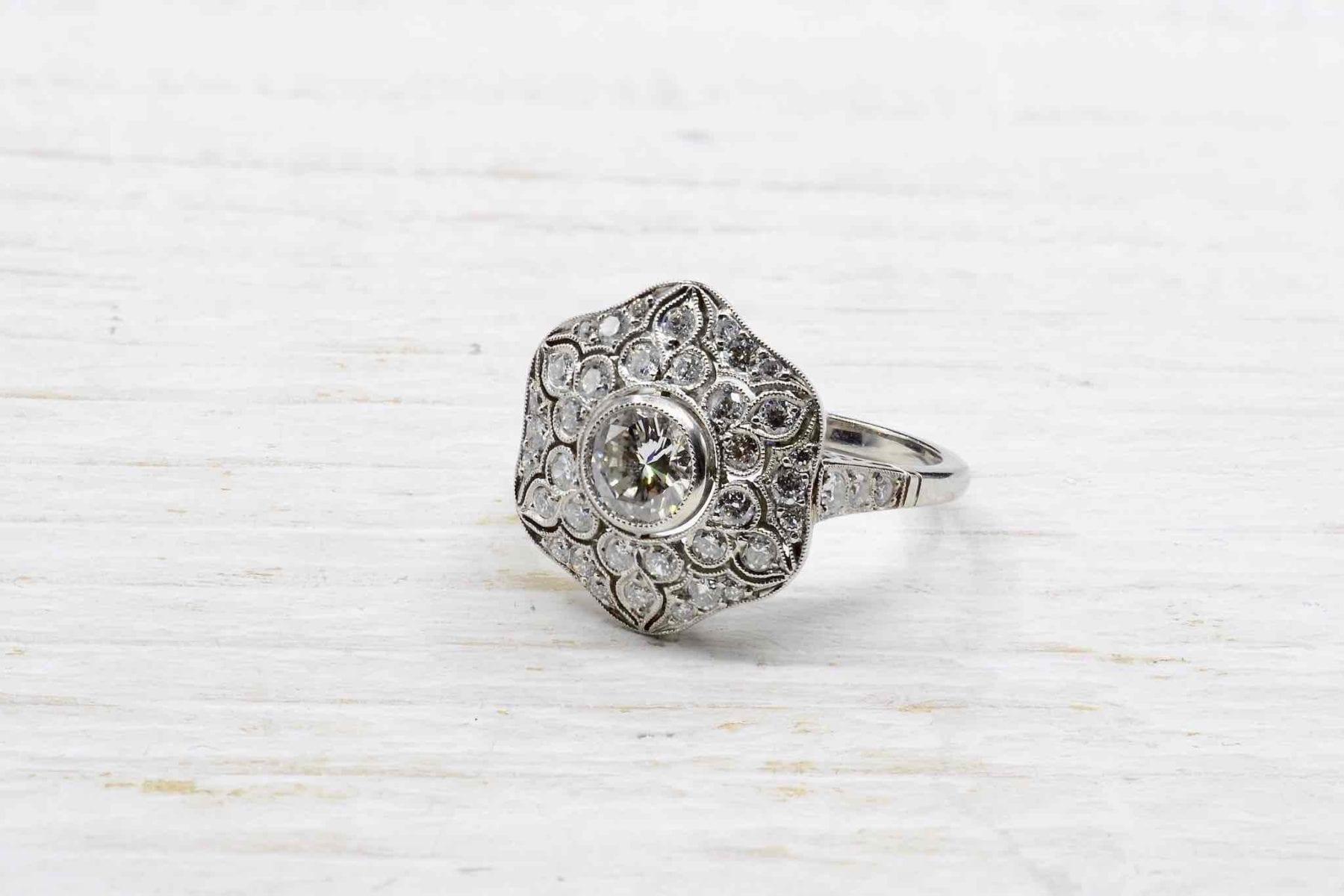 bague ancienne fleur diamants sur platine