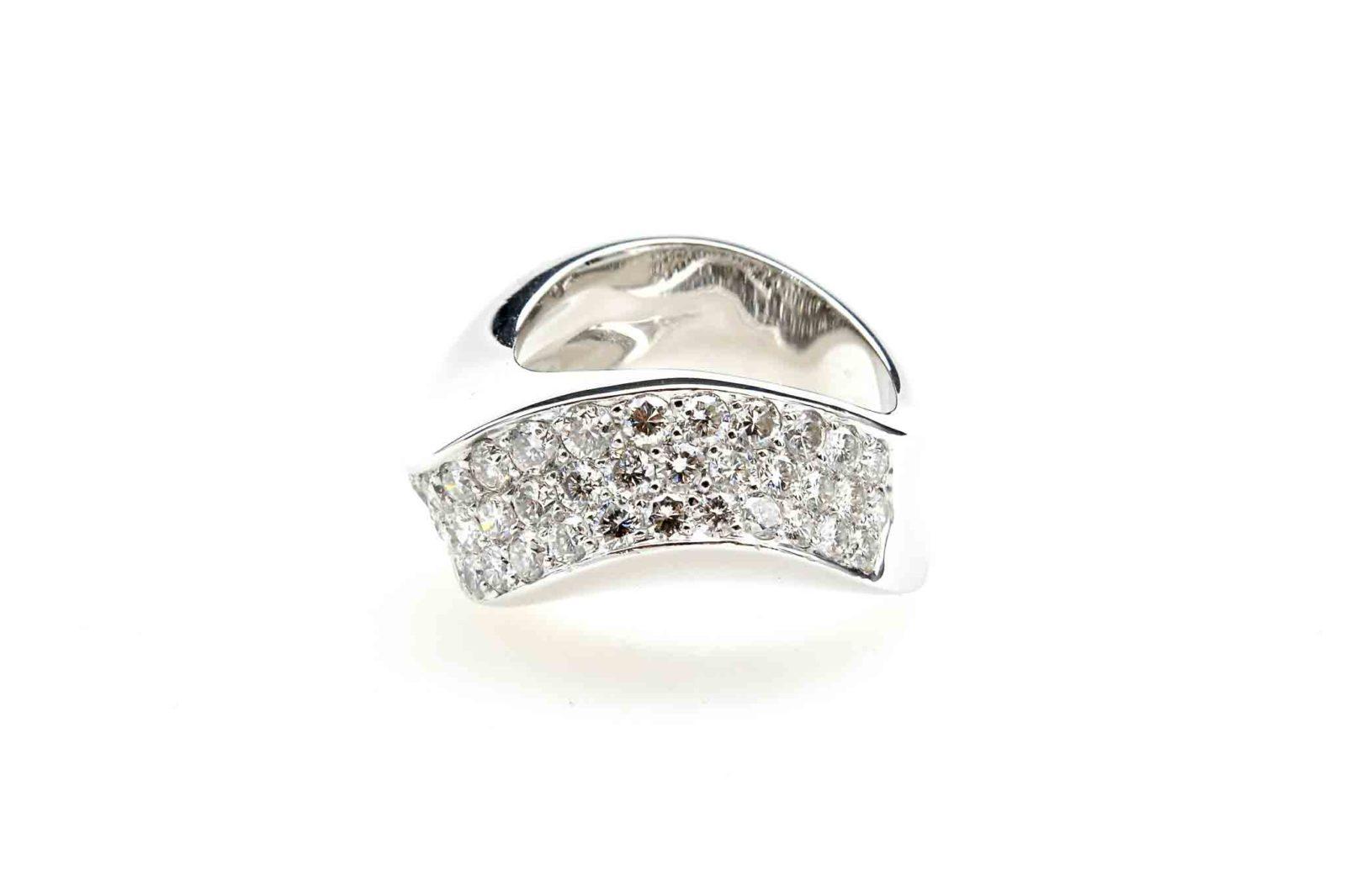 Bague pavage diamants