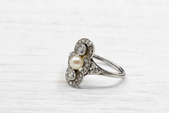 Bague perle et diamants en platine