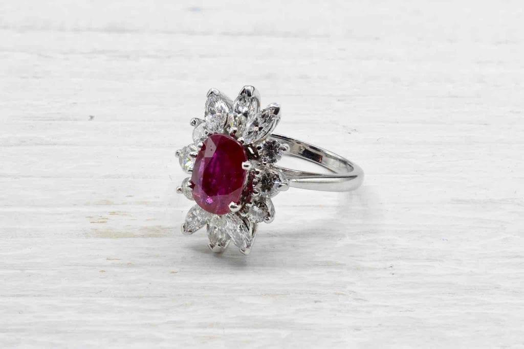 achat bijoux paris, bague rubis diamants en or blanc 18k