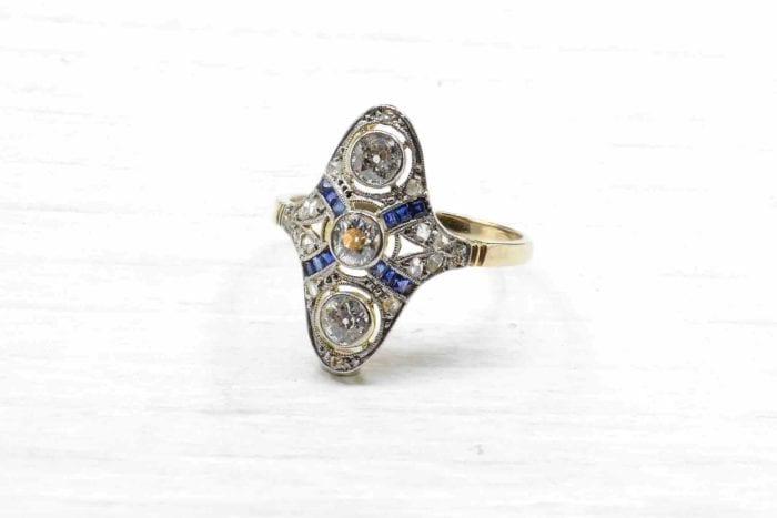Bague Art Déco saphirs et diamants en or jaune 18k