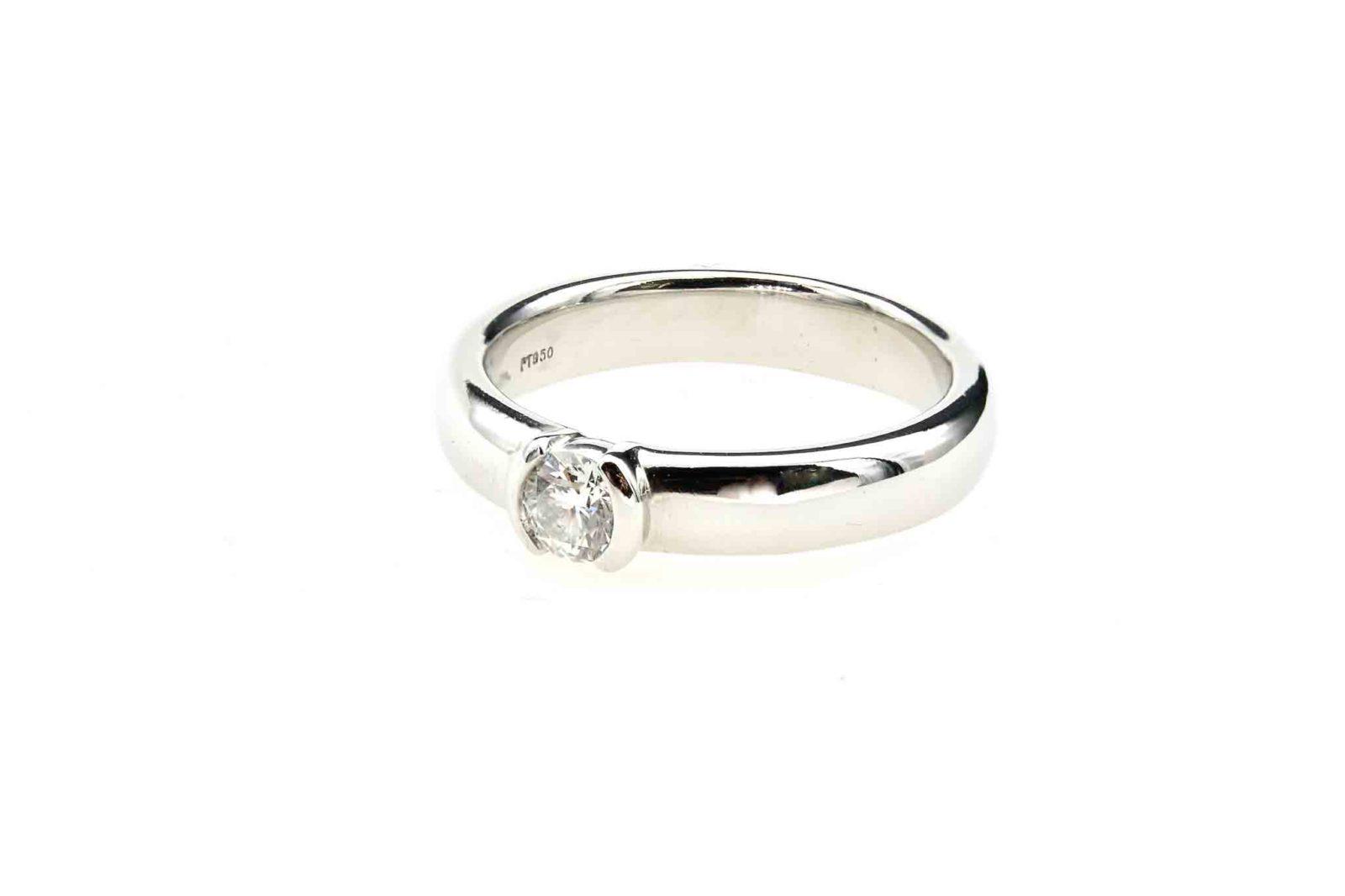 Bague Tiffany diamant solitaire