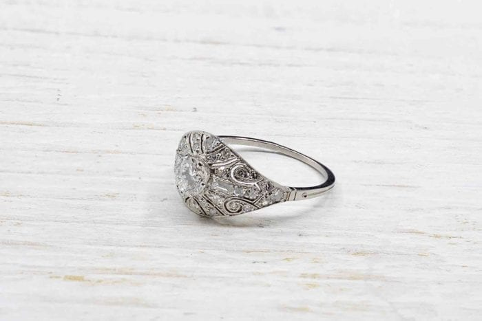 Bague bandeau vintage diamants en platine