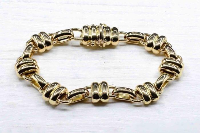 Bracelet signé Chaumet en or jaune 18k