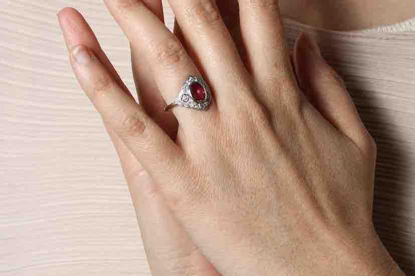 bijoux art déco rubis