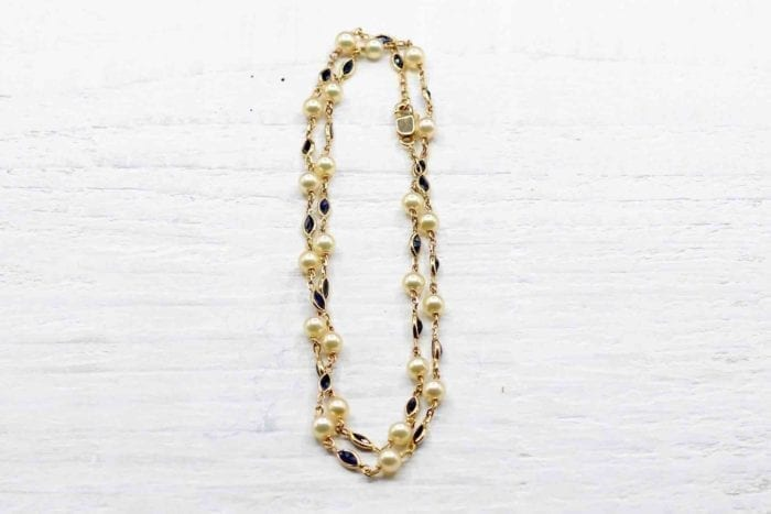 Collier perles et saphirs en or jaune 18k