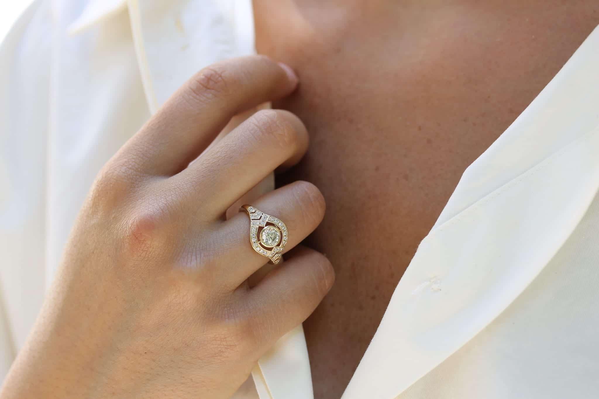 bague vintage bandeau diamant