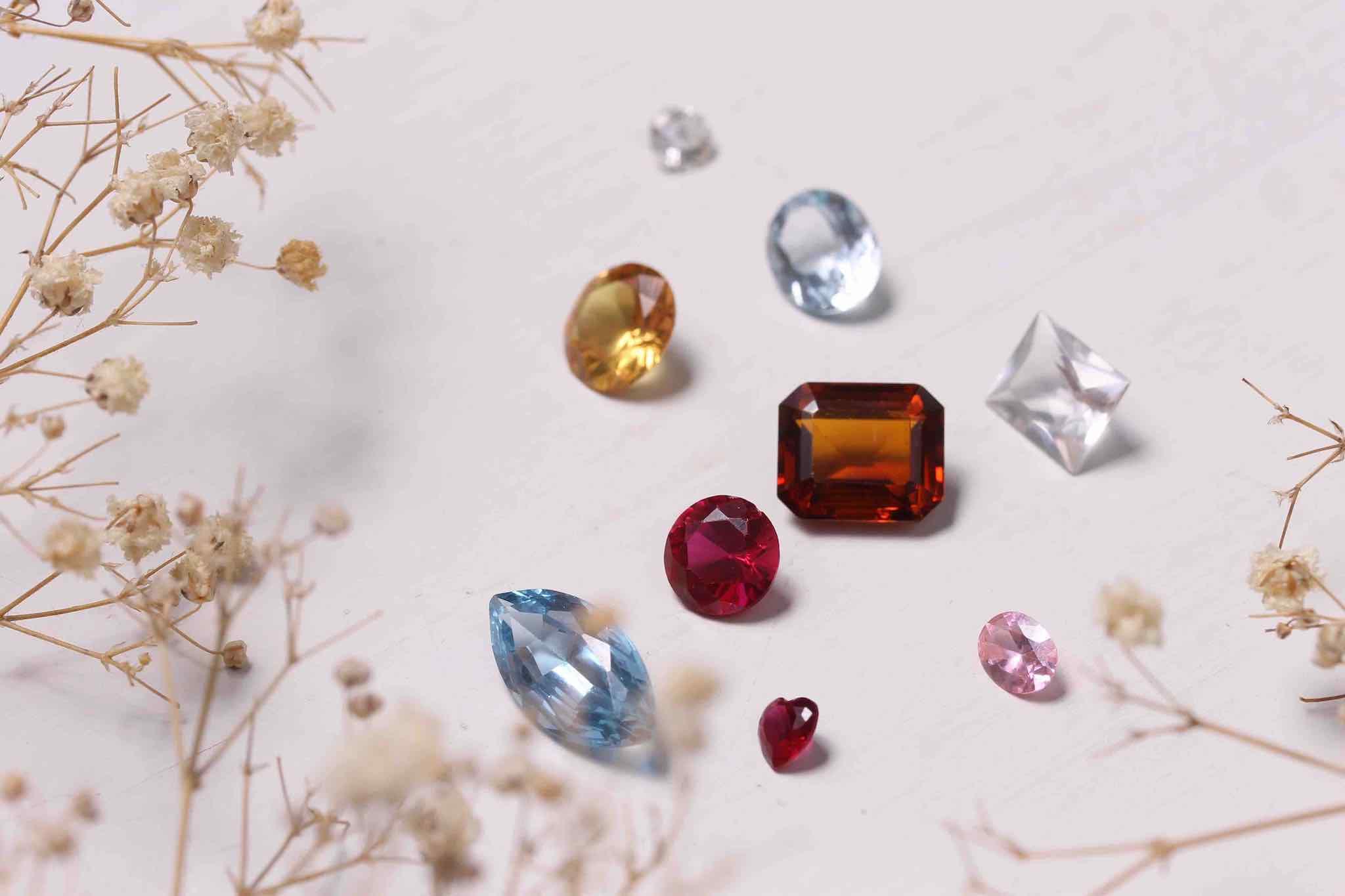achat pierres de couleurs d'occasion