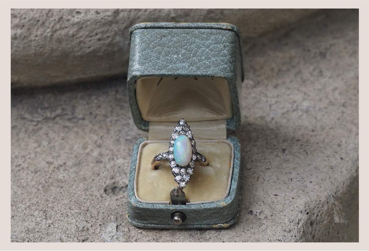 bagues opale ancienne