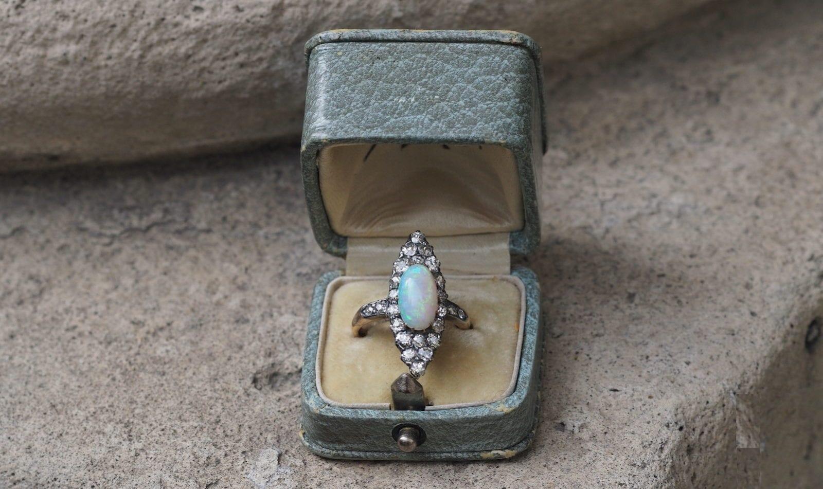 bague marquise opale diamants