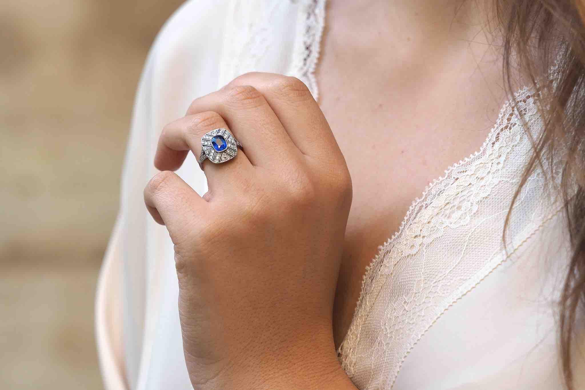 La bague de fiançailles à travers les époques