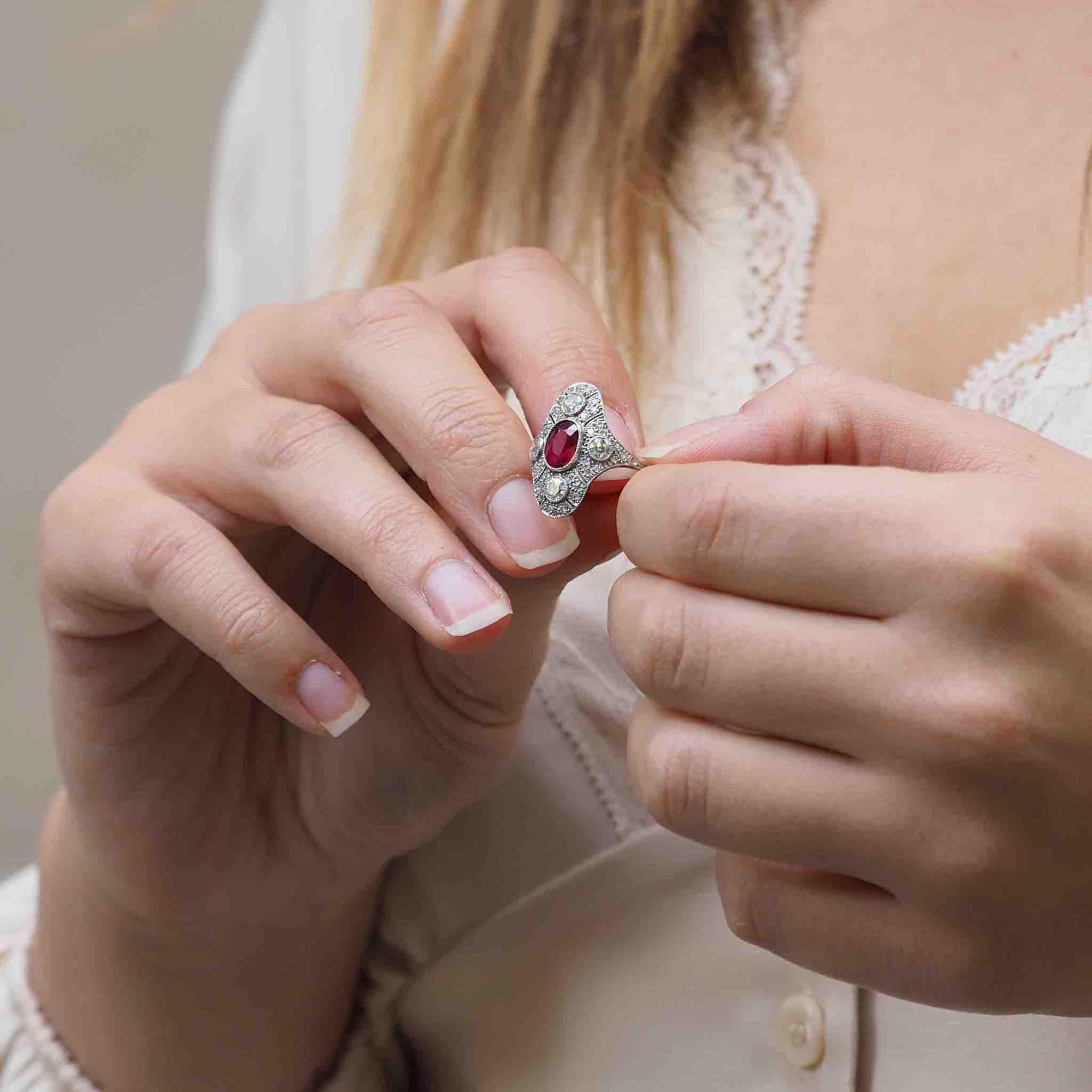 expertise bague art-deco rubis et diamants