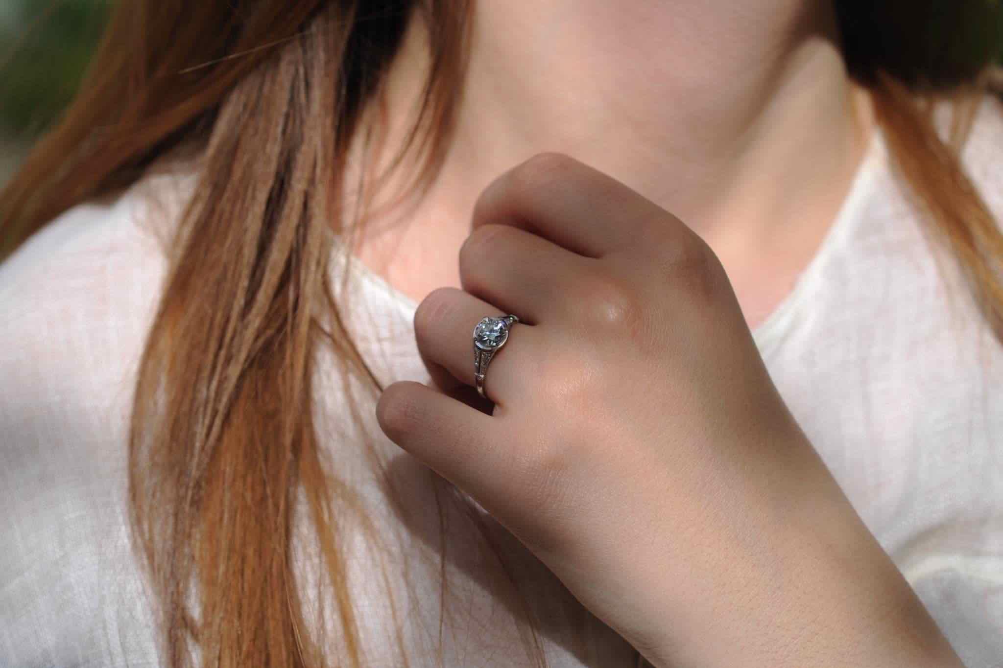 La bague de fiançailles diamant