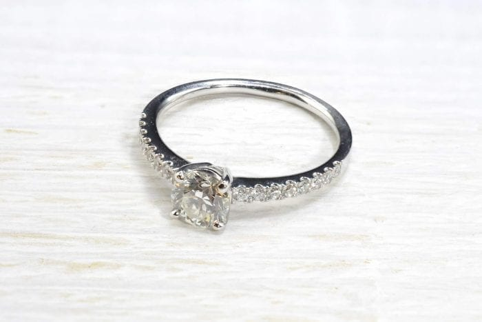 Bague solitaire diamant de 0,80 carat en or 18k
