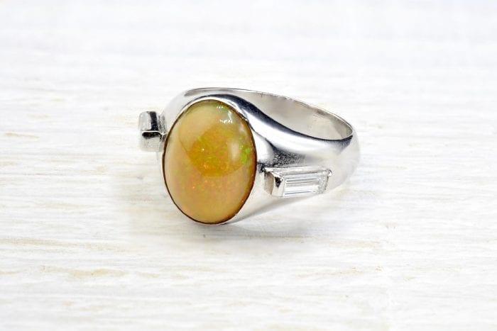 Chevalière ancienne opale et diamants