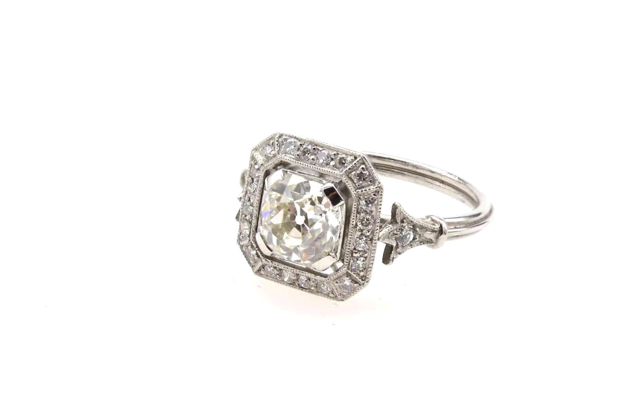 Bague vintage carrée diamants