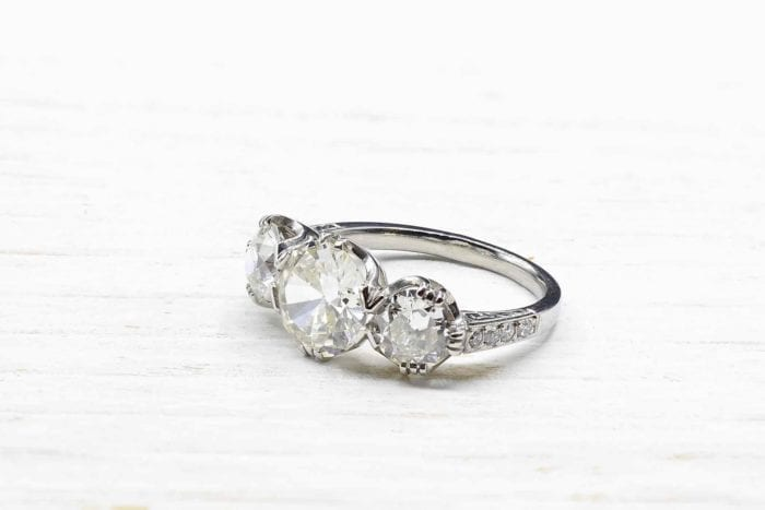 Bague trilogie diamants vintage en platine
