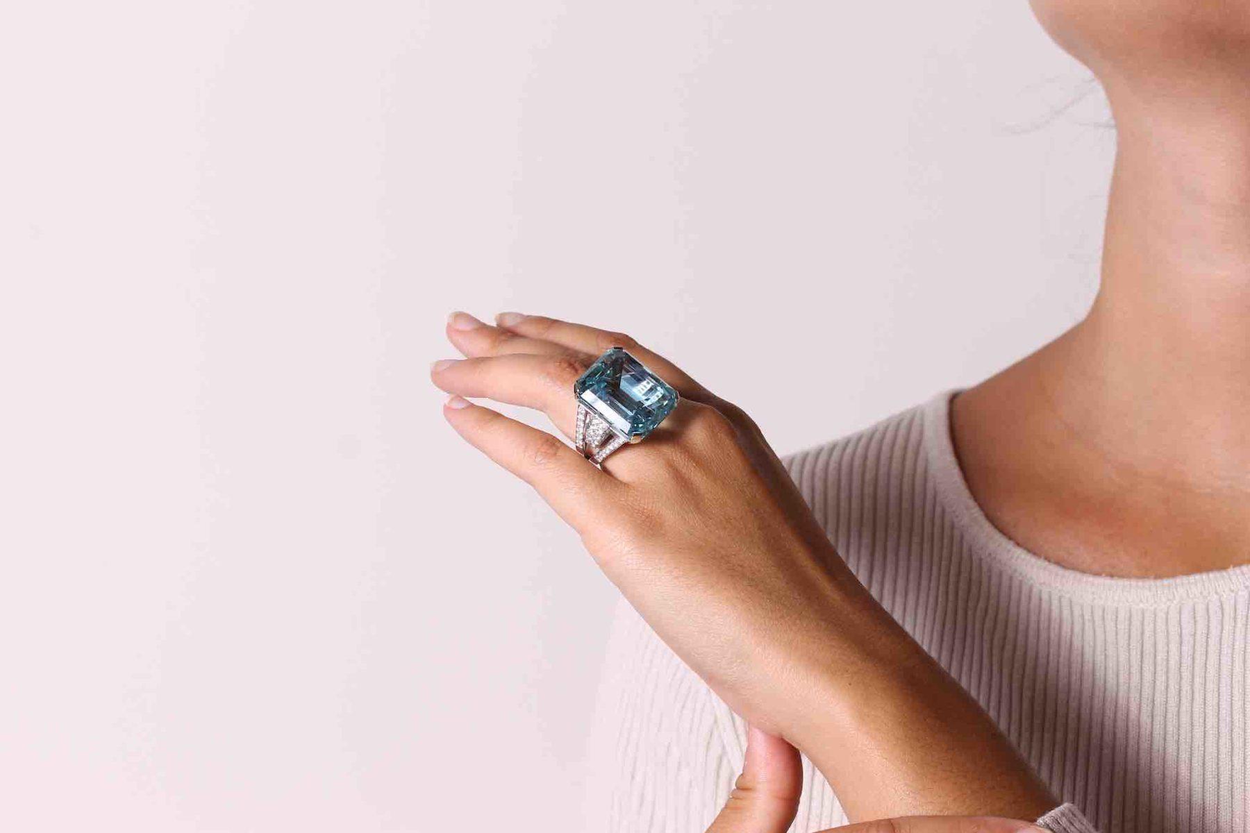Bague aigue-marine diamants en or blanc 18k