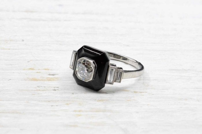 Bague onyx et diamants en platine