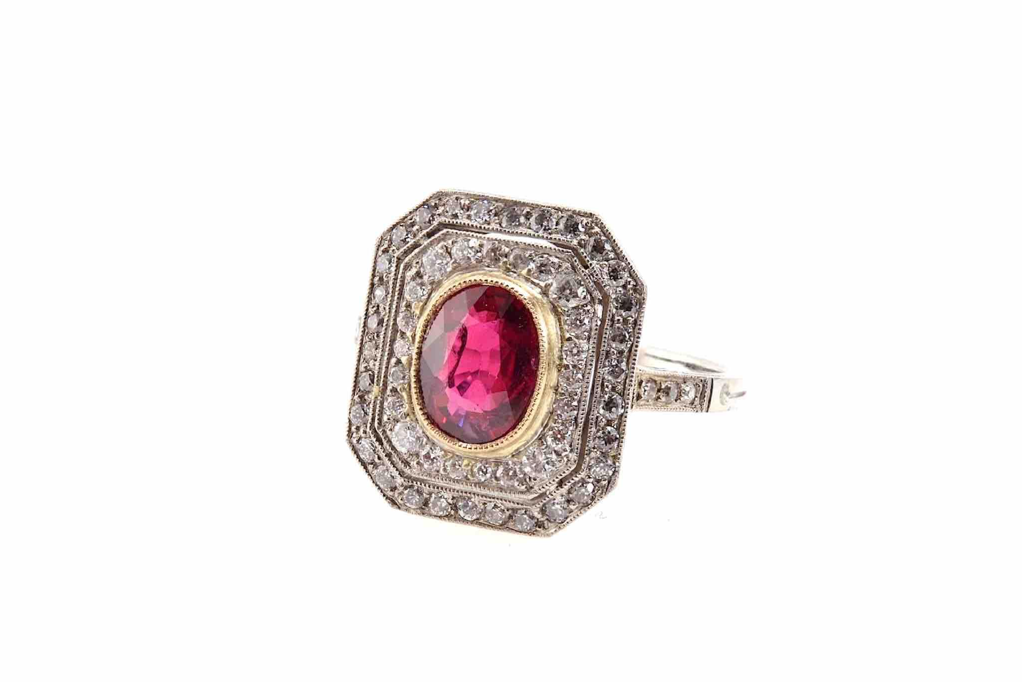 bague rubis entourage diamants