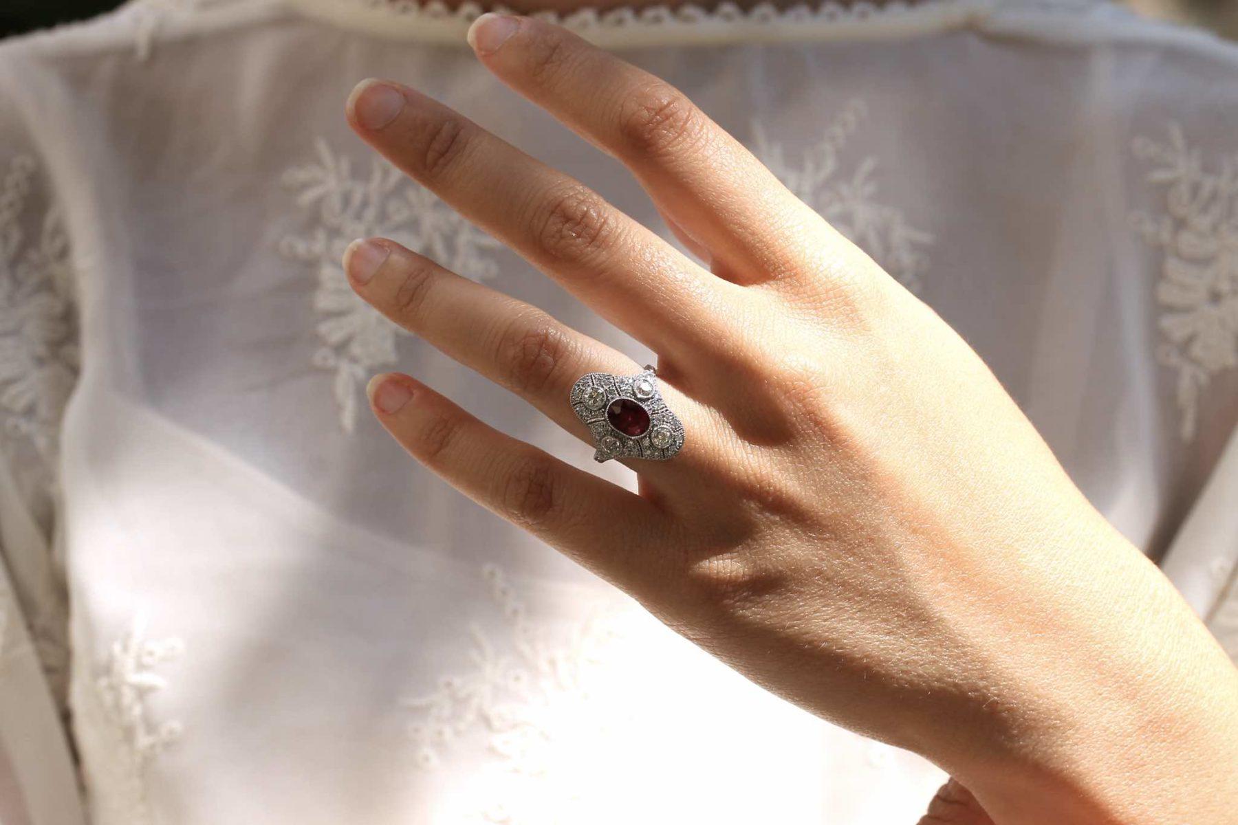 Bague diamants et rubis Art Déco