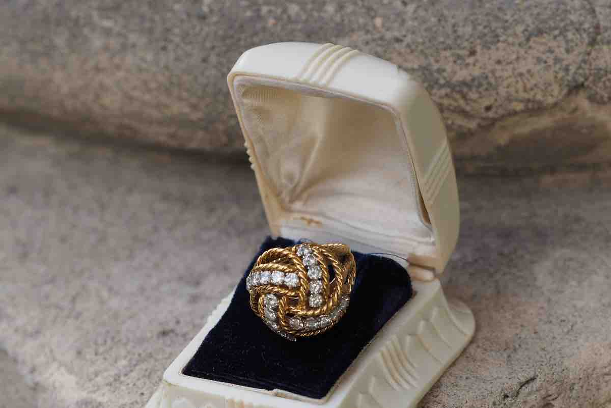 bague vintage or et diamants