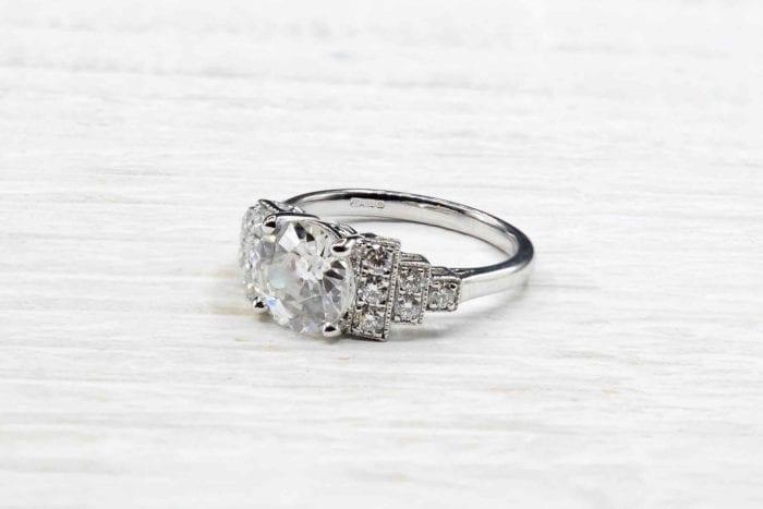 Bague solitaire diamant Art Déco