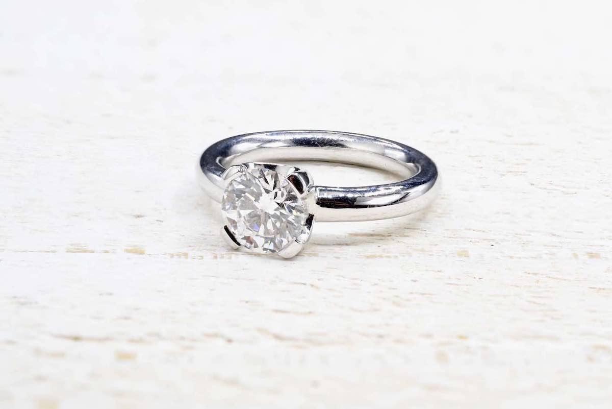 bague solitaire diamant ancien