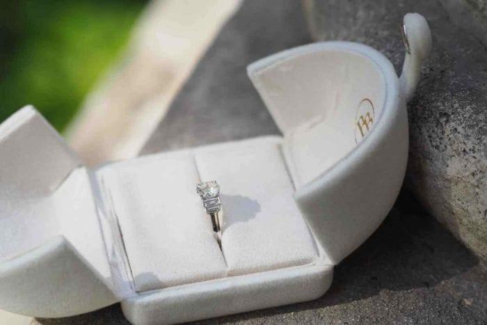bague de fiançailles ancienne solitaire diamant